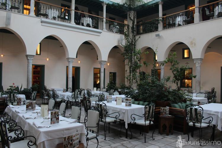 Le restaurant el foundouk à Tunis