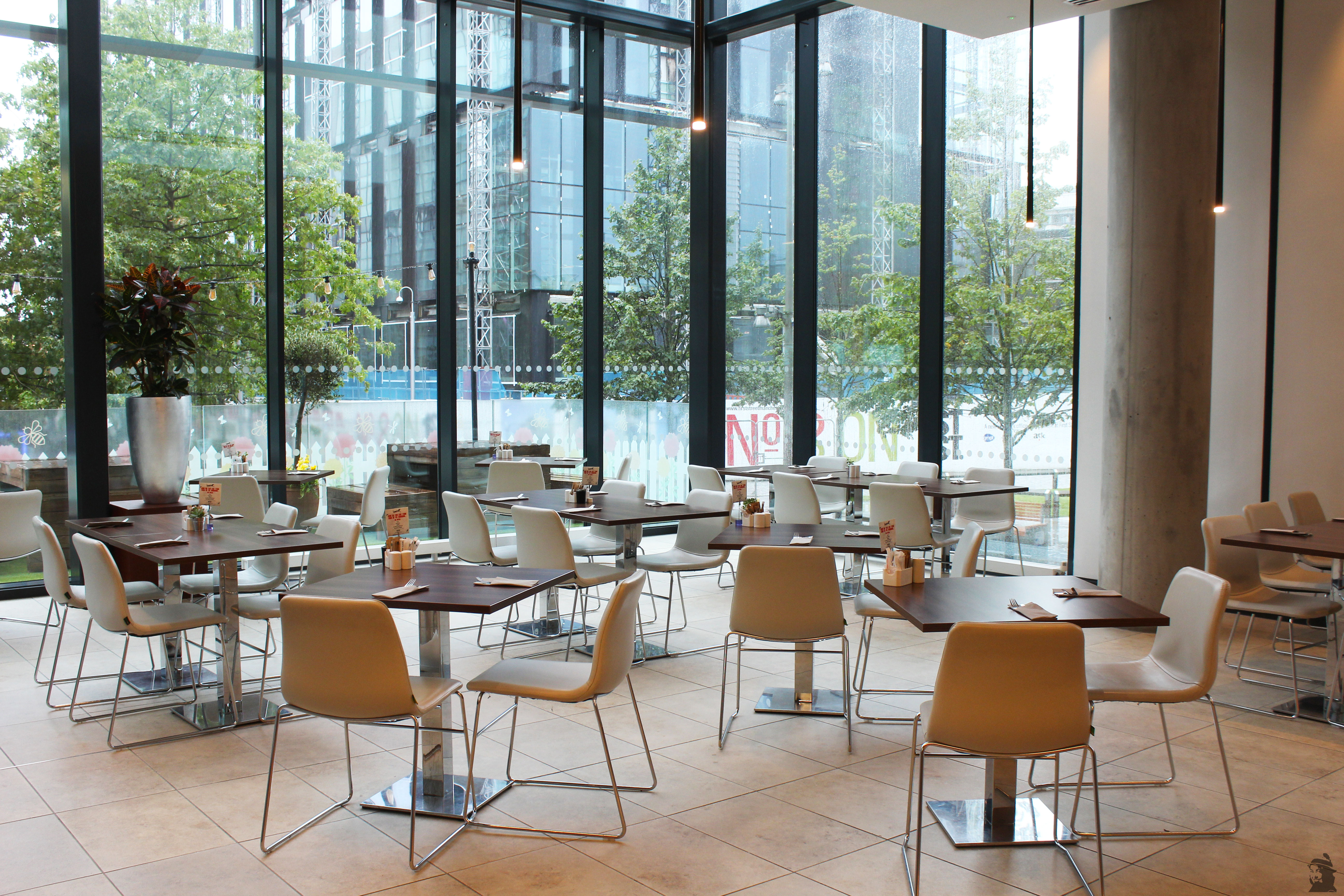 salle petit déjeuner Innside hotel Manchester